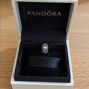 Authentic Pandora Her Majesty Spacer